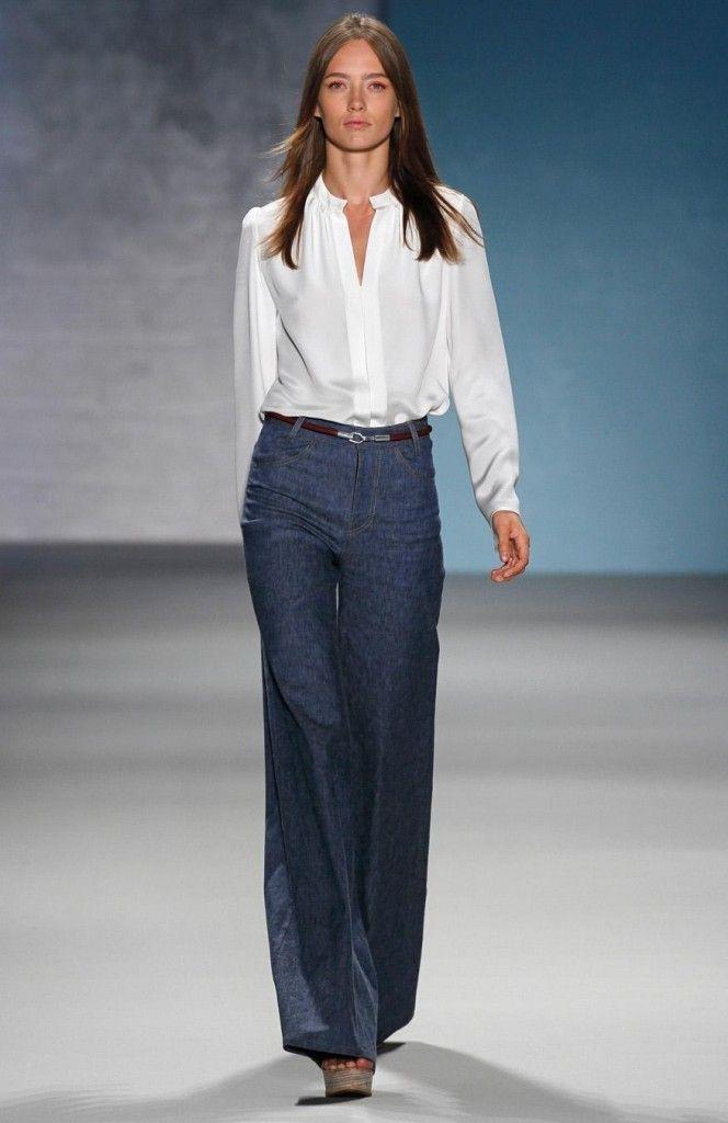 accb62d4e5684acf041a4f205a6dd767-white-blouses-style-ideas